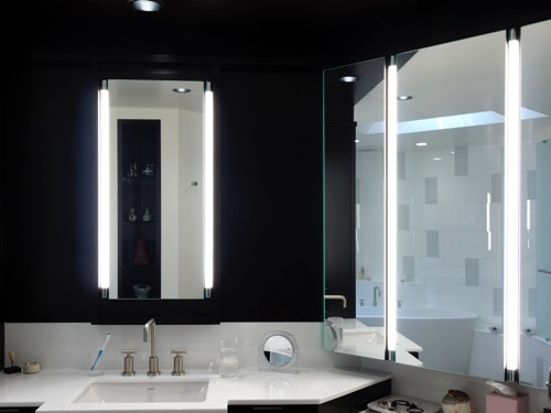 Dressing vanity with 3-way mirrors